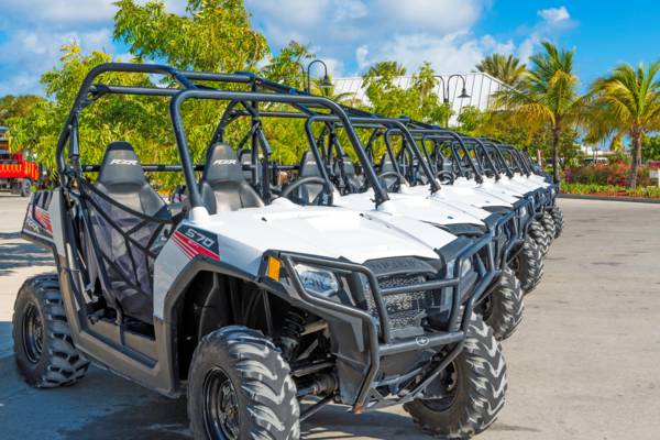 rental off road buggies at the Grand Turk Cruise Center