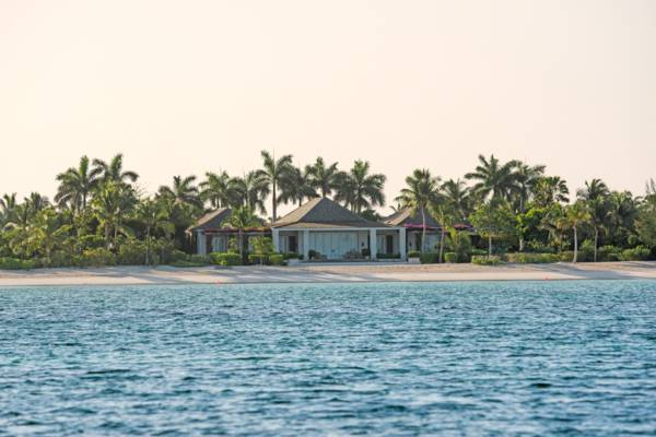 beachfront luxury mansion on Parrot Cay