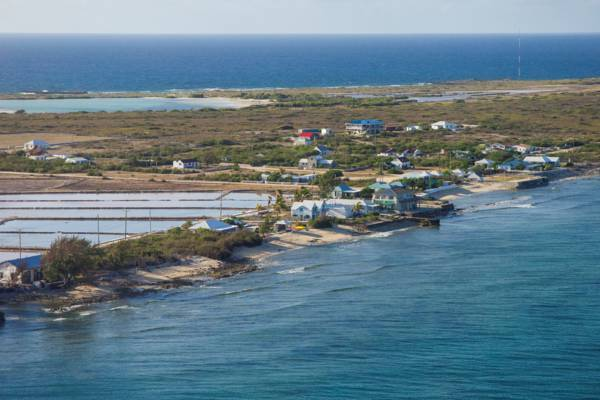 the White House and salt pans on Salt Cay