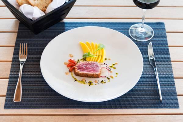 ahi-tuna-dinner