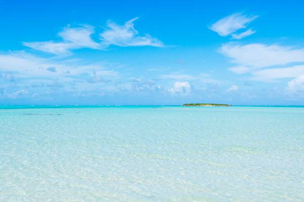 turquoise ocean water at Bambarra Beach on Middle Caicos