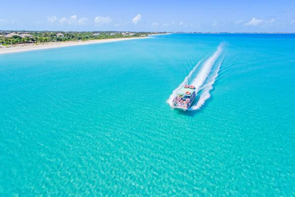 boat tour in Grace Bay