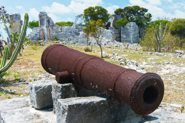 Cannon at Cheshire Hall Plantation, Providenciales.