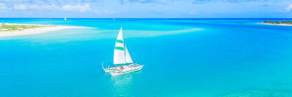 sailboat charter in Turks and Caicos