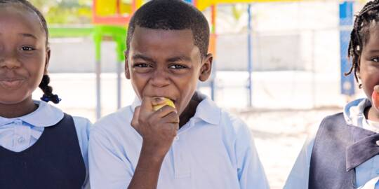 breakfast at a Turks and Caicos school provided by Food for Thought