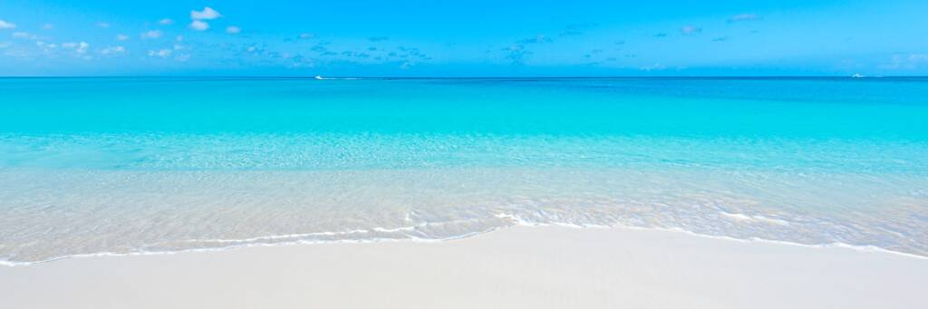 calm water and beautiful beach at Grace Bay