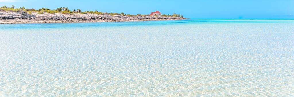 shallow water and sand bar at Horsestable Beach on North Caicos