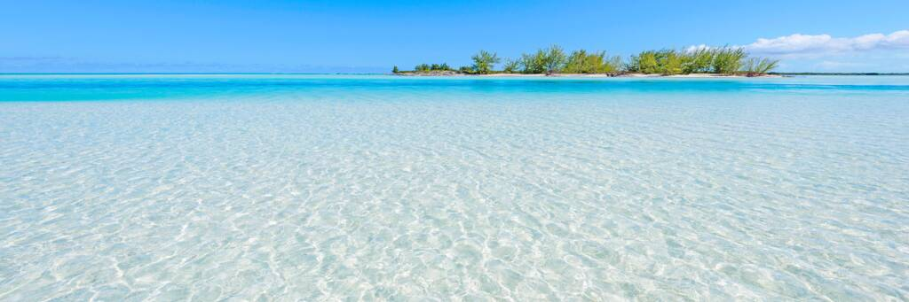 the clear ocean water off of Horsestable Beach and Bay Cay