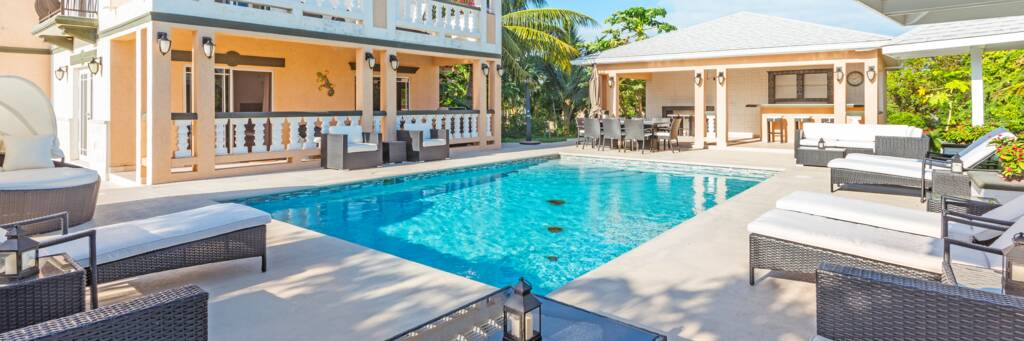 pool at Sea La Vie villa