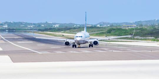 United Airlines Boeing 737-824 taxing on the runway of the Providenciales International Airport