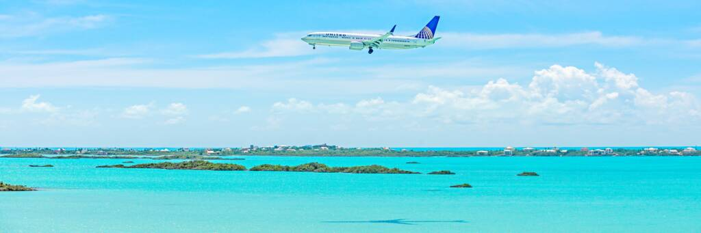 aircraft approaching PLS airport over Chalk Sound in the Turks and Caicos