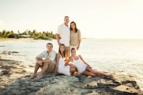 family portrait photo shoot at Leeward Beach on Providenciales