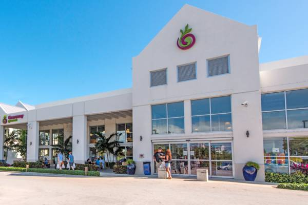 the Graceway Gourmet supermarket in central Grace Bay on Providenciales