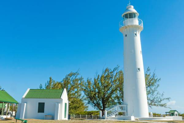 the grounds and the lighthouse keeper's house at the Grand Turk Lighthouse