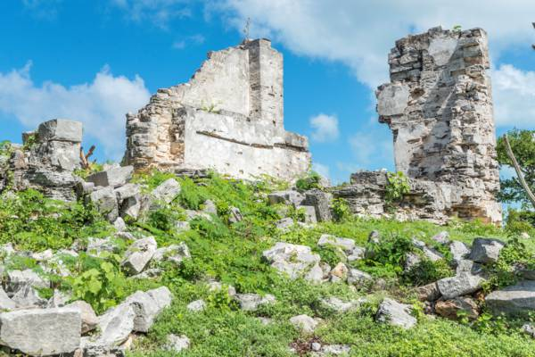 the crumbling ruins of the Great House at Cheshire Hall Plantation in the Turks and Caicos