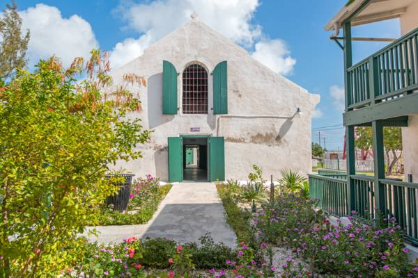 the courtyard at Her Majesty's Prison on Grand Turk