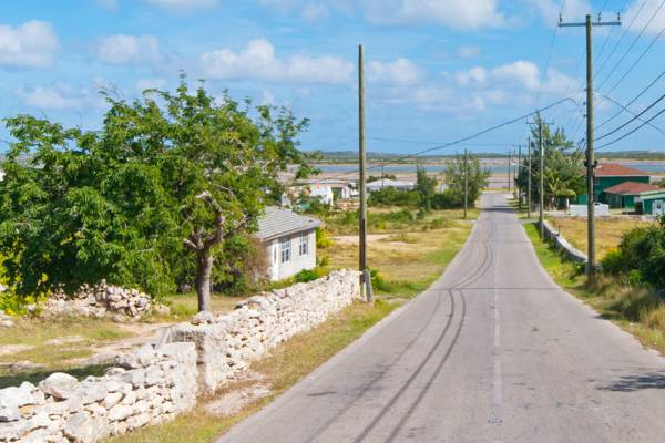 paved road and houses in Cockburn Harbour on South Caicos