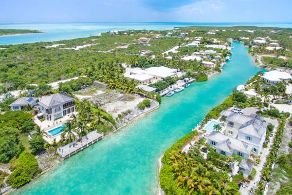 inland canals and luxury homes in the Leeward area of Providenciales
