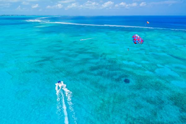 parasailing in the Turks and Caicos
