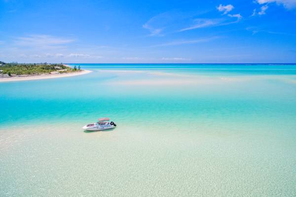 private boat charter in the Turks and Caicos