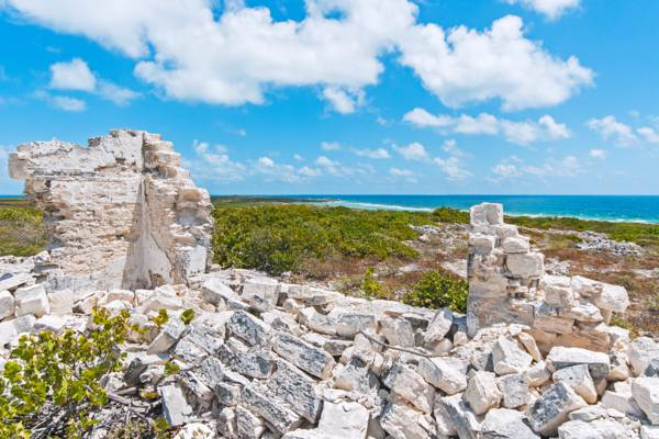 the main house ruin at the Taylor Hill whaling base on Salt Cay