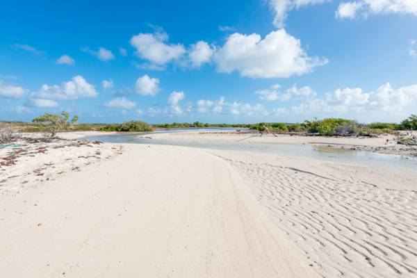 tidal sand bars and waterways in South Creek on Salt Cay