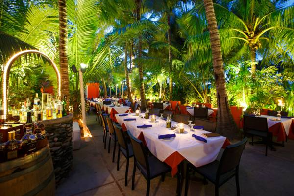 al fresco dining at the gourmet Coco Bistro restaurant on Providenciales