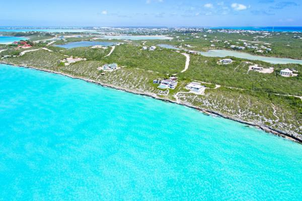 luxury homes at Turtle Tail on Providenciales