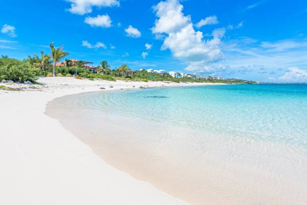 Babalua Beach and luxury villa accommodations on Providenciales