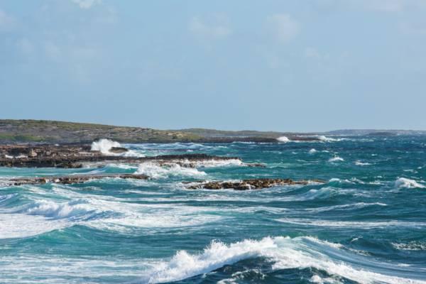 rough ocean on the coast of South Creek on Salt Cay