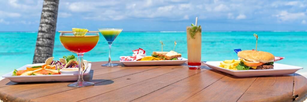drinks at Barracuda Bar