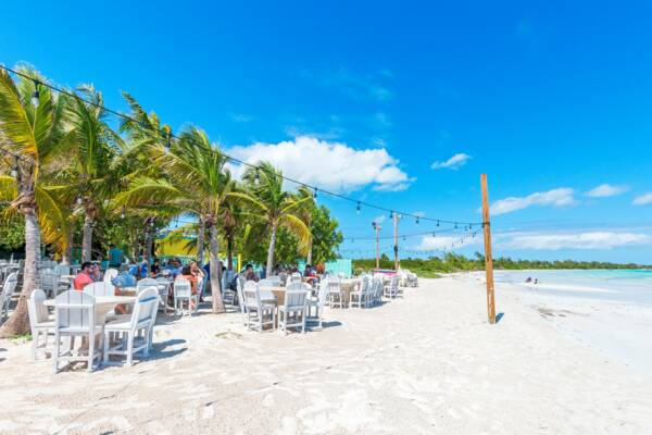 Bugaloo's Restaurant on Five Cays Beach