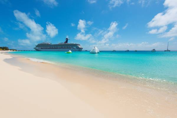 cruise ship at the beach at Grand Turk