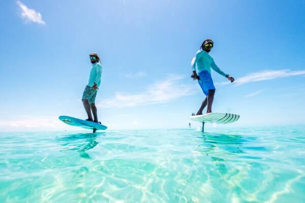 E-foil surfer