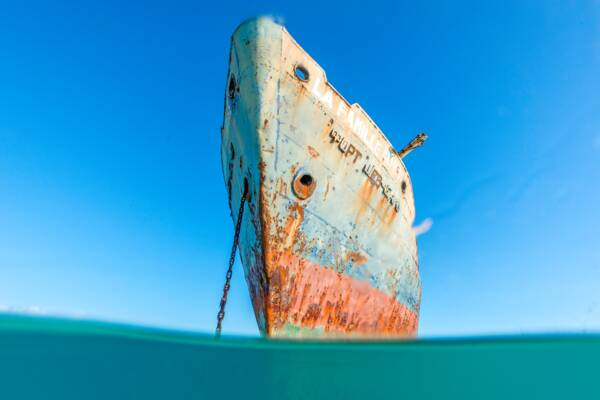 the La Famille Express shipwreck in the Turks and Caicos