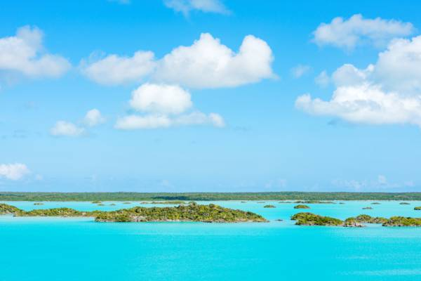 turquoise water and tiny islands in Chalk Sound National Park
