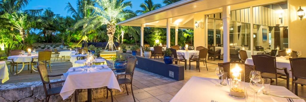 courtyard dining at Opus Wine Bar and Grill