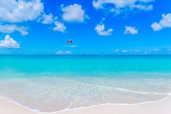 Turks and Caicos parasailing