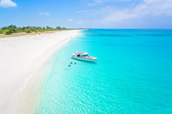 boat tour in Turks and Caicos