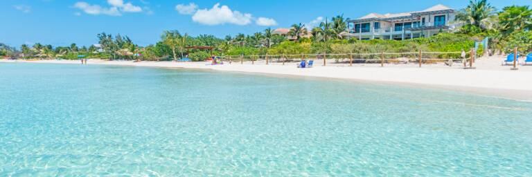 beautiful beach and vacation villas at Sapodilla Bay Beach