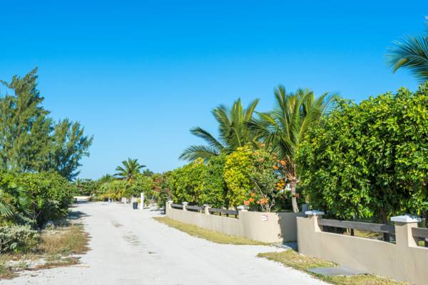 lane in the settlement of Whitby on North Caicos